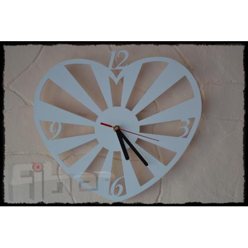 """Zegar ścienny w kształcie serca - """"MERIDA"""""""